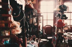 un air d'autrefois avec les vêtements de cette pièce