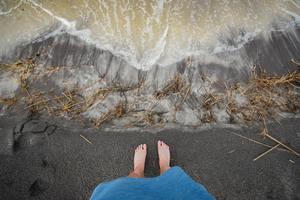 les pieds au bord durivage durecentrage de la ménopause