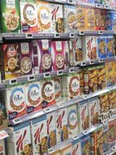 boites de céréales en rayon affichant Nutri-score